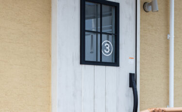 第三入り口のドア